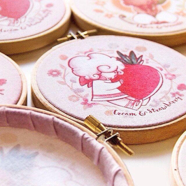 """Mini 4"""" Embroidery Hoop Collection. Made with much love.  — Colección de mini Bastidores de aro de 10 cm, hechos con mucho cariño."""