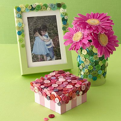 All you need is a glue gun and a jar full of buttons, and you're ready to decorate a picture frame, vase or box. #DIY #Craft