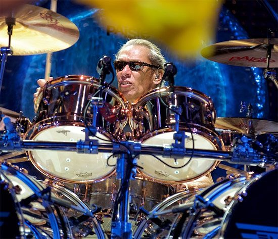 Drummerworld: Alex van Halen