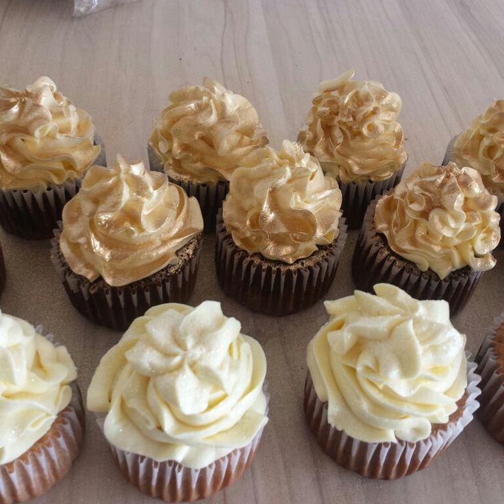 Cupcakes 50 años glam #DorisCumple50  cupcakes personalizadas #50AñosDorados @dulcycandy