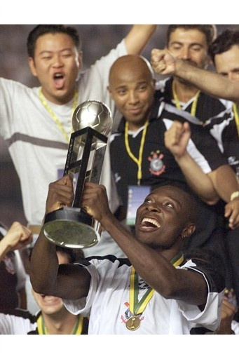 Sport Club Corinthians Paulista: Champion of the First FIFA Club World Cup - 2000