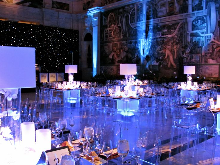 Gerych 39 s dia reception acrylic tables bars pinterest for Glass tables for wedding reception