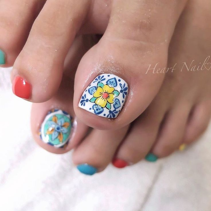 雑誌デザインよりお選び頂きました タイル柄が可愛い♡ #nails#nail#nailart#nailstagram#gelnails#nailart#ネイル#pedicure#ネイルアート#ネイルデザイン#ネイリスト#ネイルサロン#大人可愛い#大人ネイル#上品ネイル#オフィスネイル#ジェルネイル#モロッコネイル#タイル柄ネイル#野田市ネイル