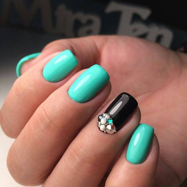 Black and turquoise nails, Ideas of turquoise nails, May nails, Mint gel polish, Mint nails, ring finger nails, Spring nail designs, Spring nail idea