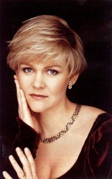 Barbara Bonney... WHAT heavenly opera voice!  And she can pull off the pixie, too.  :)