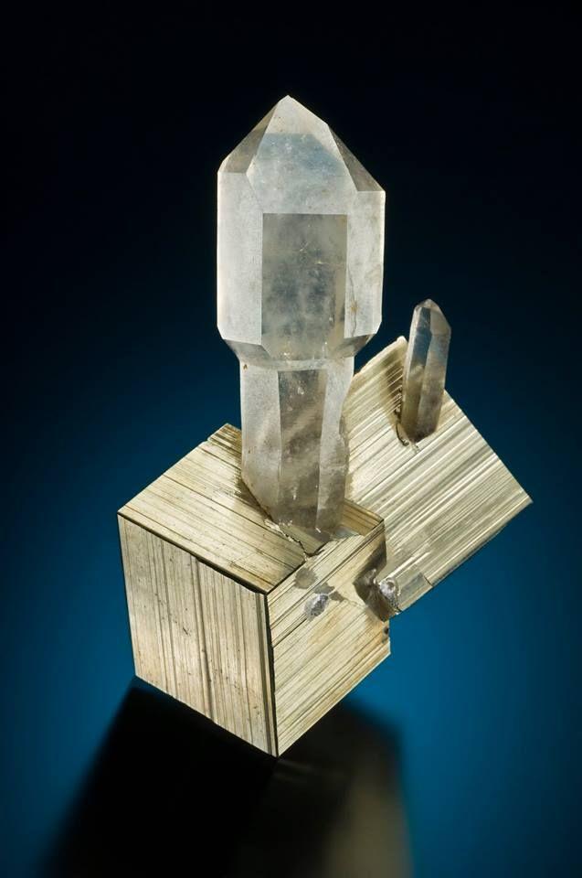 Quartz on Pyrite - Spruce claim, Goldmyer Hot Springs, King Co., Washington, USA Size: 7 cm