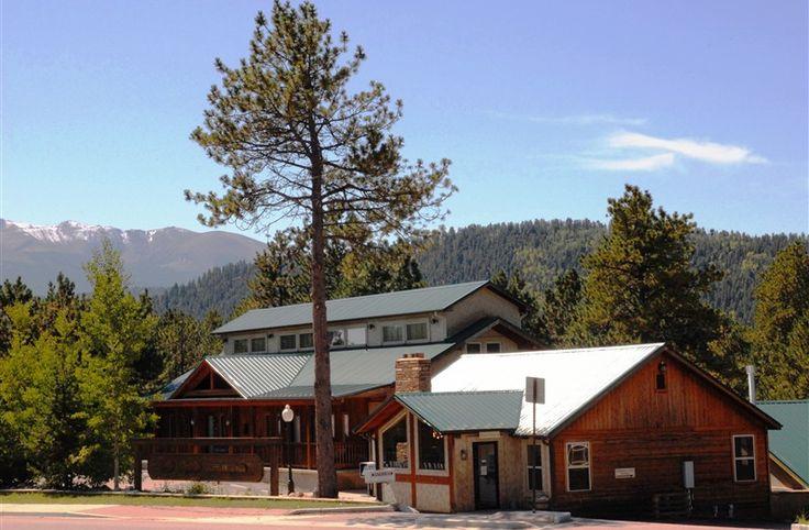Eagle Fire Lodge & Cabins in Woodland Park, Colorado   B&B Rental
