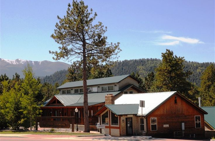Eagle Fire Lodge & Cabins in Woodland Park, Colorado | B&B Rental