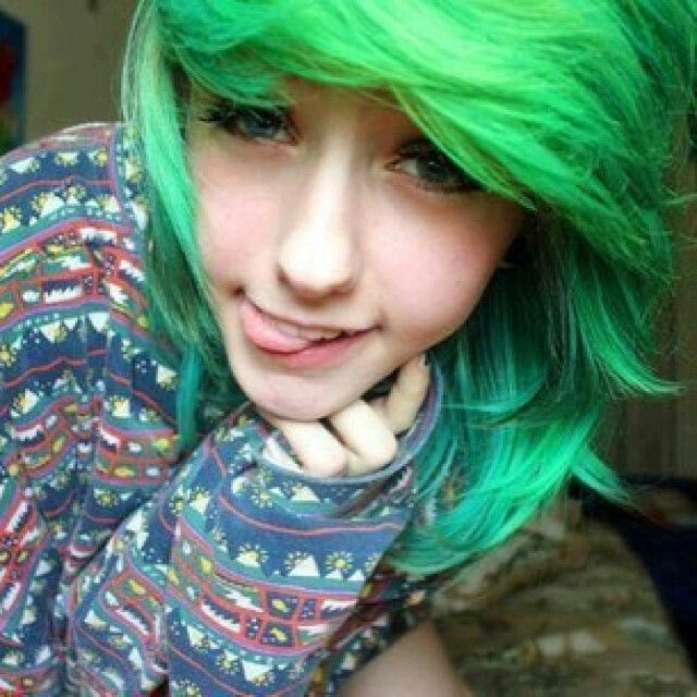 Julianna Can't Fly Emo Girl Green Hair Blue Eyes