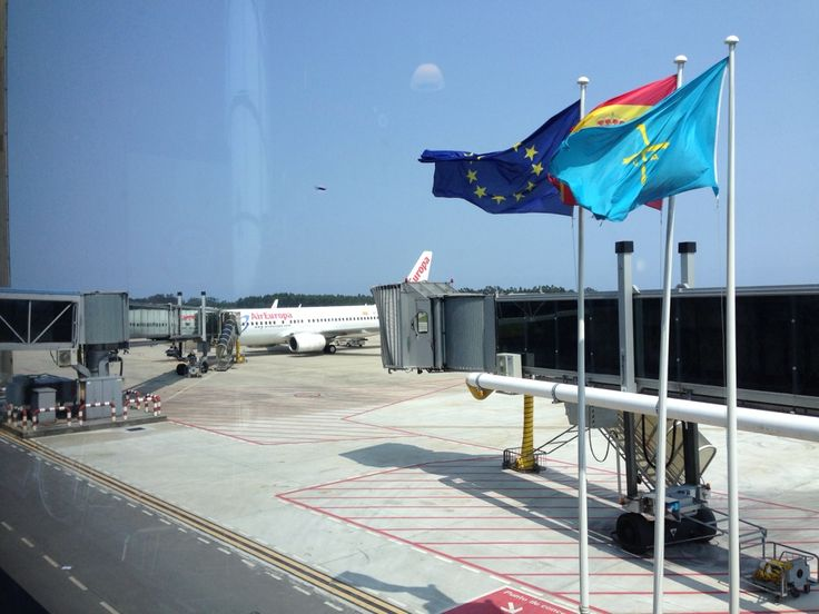 Aeropuerto de Asturias (OVD) en Castrillón, Asturias