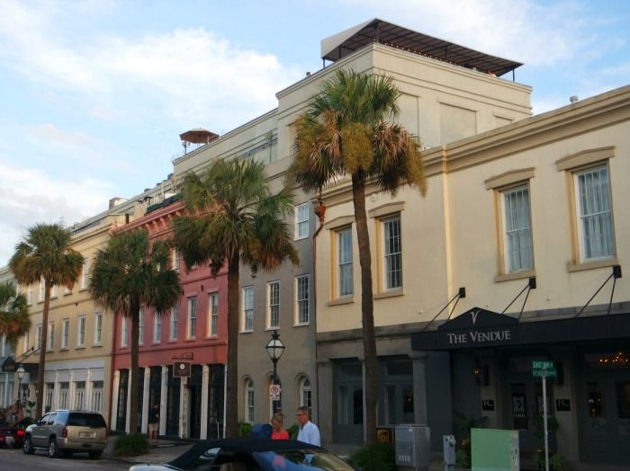 11 fun things to do in Charleston | where to eat in Charleston | what to do in Charleston | best restaurants in Charleston | where to stay in Charleston | Charleston brunch | Charleston dinner| Rainbow Road | Charleston City Market | downtown Charleston
