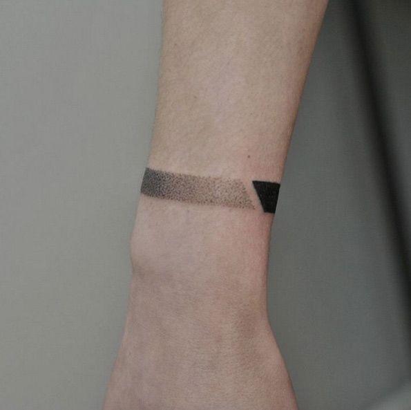 Dotwork Bracelet Tattoo by Oleg Rudenko