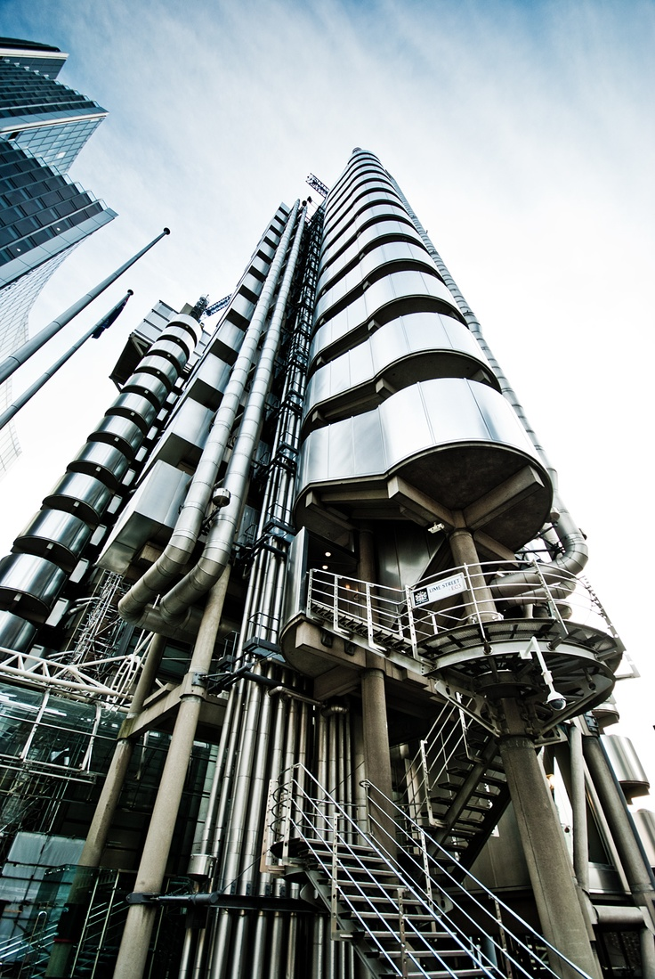 Lloyds of London, Richard Rogers. Roger's Inspiration ...Towerering focal point seen at the end of streets. Florence.