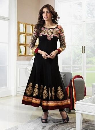 Bipasha Basu in Black Color Designer Bollywood Salwar Suit.