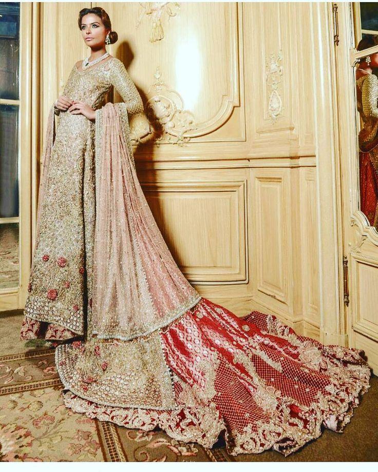 #farazmanan #fashion #style #hautefashion_pk #couture #weddingstyles #wedding #bridalfashion #bride #bridal #designerfashion #lehngacholi #asianfashion #weddingstyles #wedmegood #luxurywedding