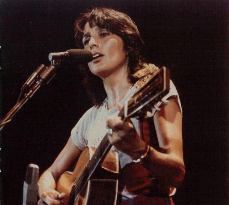 a biography of joan bridge baez a famous folk singer and peace activist Joan baez was the middle daughter of albert vinicio and joan bridge baez at age 10, her father took a job (and the family) to baghdad, iraq, for a.