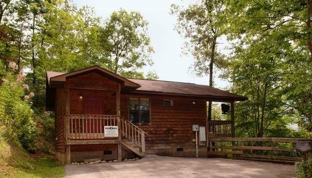Mountain Secrets 1 Bedroom Cabin At Parkside Cabin Rentals Bedroom Cabin Honeymooncabin