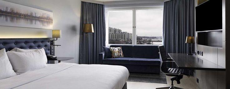 Nauti merinäkymistä tässä tilavassa hotellihuoneessa, jossa on iso parivuode ja alkuperäisiä taideteoksia. Hoida työasioita kirjoituspöydän ääressä, pysy yhteydessä Wi-Fi:n välityksellä tai rentoudu katsellen elokuvaa LCD-televisiosta.