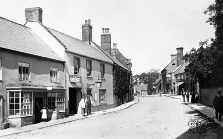 Old photo of Hogshill Street 1902, Beaminster