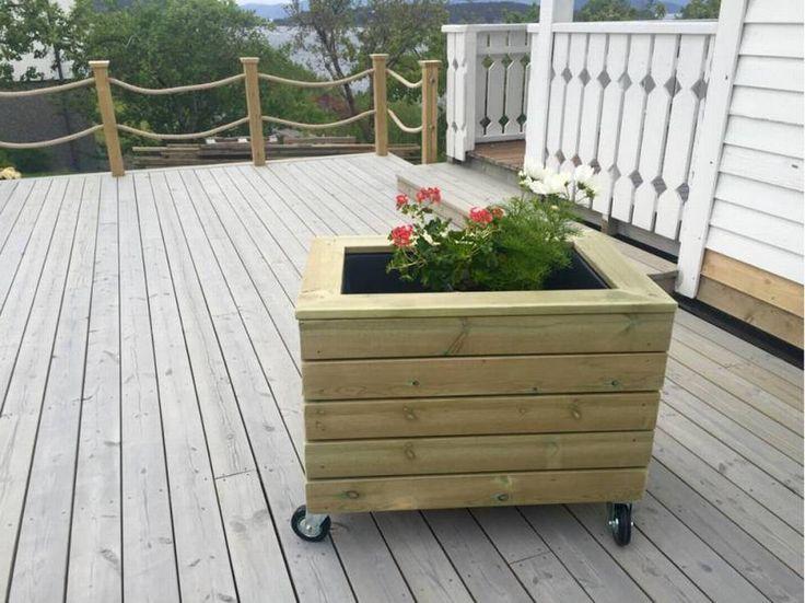 Slik lager du blomsterkasse med hjul