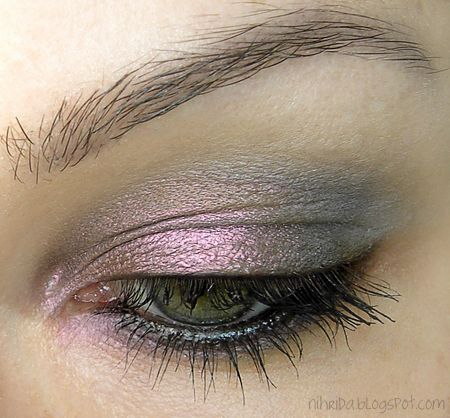 Pink & Gray - Pure Luxe Eyeshadow Pigment in Faceted---oh the colors