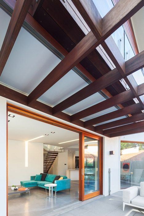 Bijl Architecture created an indoor outdoor connection at the Naremburn House