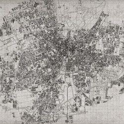 Il cuore della città, racchiuso nella tua stanza. Quartieri, strade, palazzi: una mappa del cammino dell'esistenza quotidiana che ridisegna..