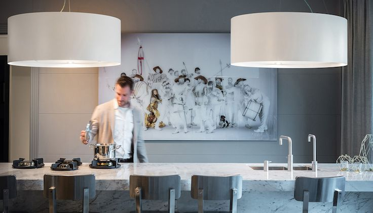 Design afzuigkap voor kookeiland in de vorm van een lamp via Wave Kitchen Products #keuken #kookeiland