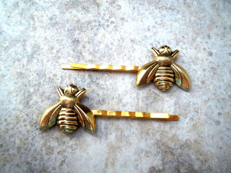 Handmade Gold Bee Bobby Pins - love these vintage accessories
