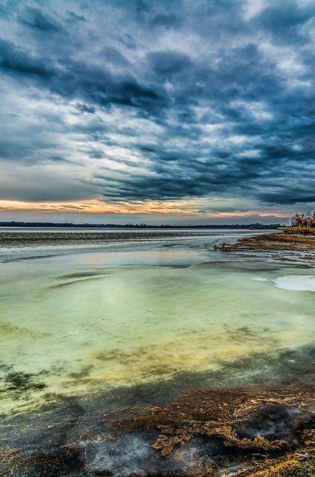 The Salty Lake (Lacul Sarat), Braila, Romania (by Radu Arama)