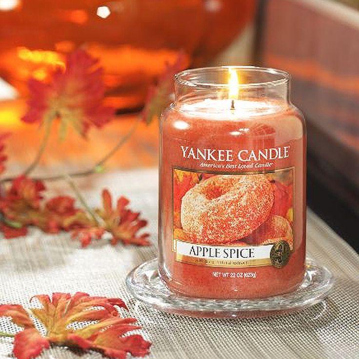 Yankee Candle – vonná svíčka Apple Spice, velká
