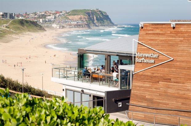 Spotted Gum Expression Timber Cladding use for Mereweather Surf House by Crone Partners