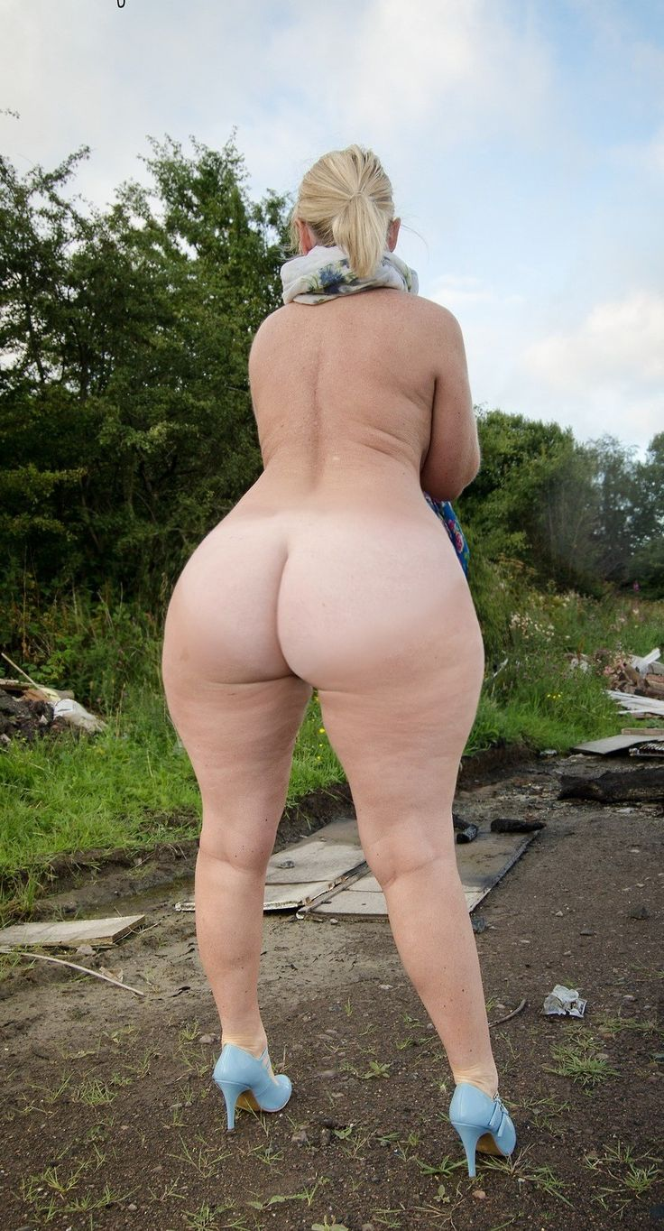 Big Blonde Butts 88
