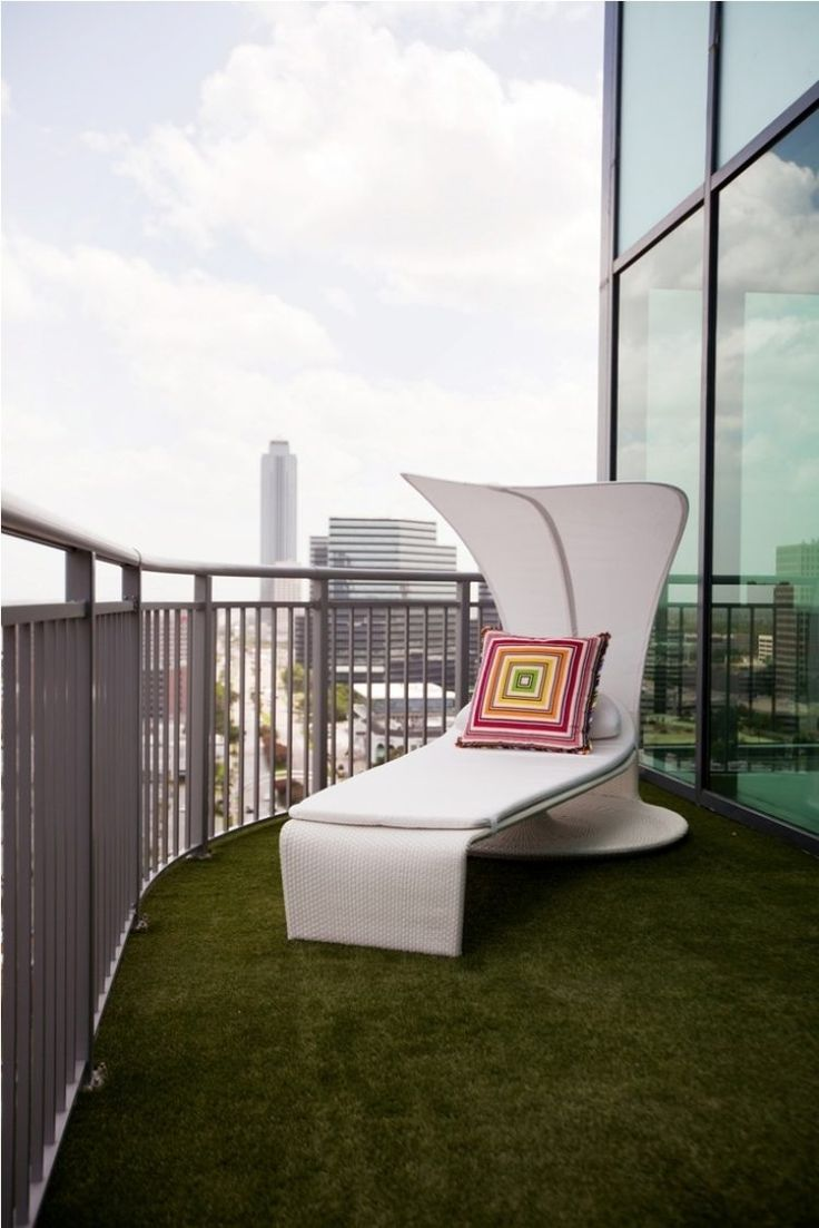 Moderne Gartenmöbel Lassen Sich Gut Mit Kunstrasen Kombinieren
