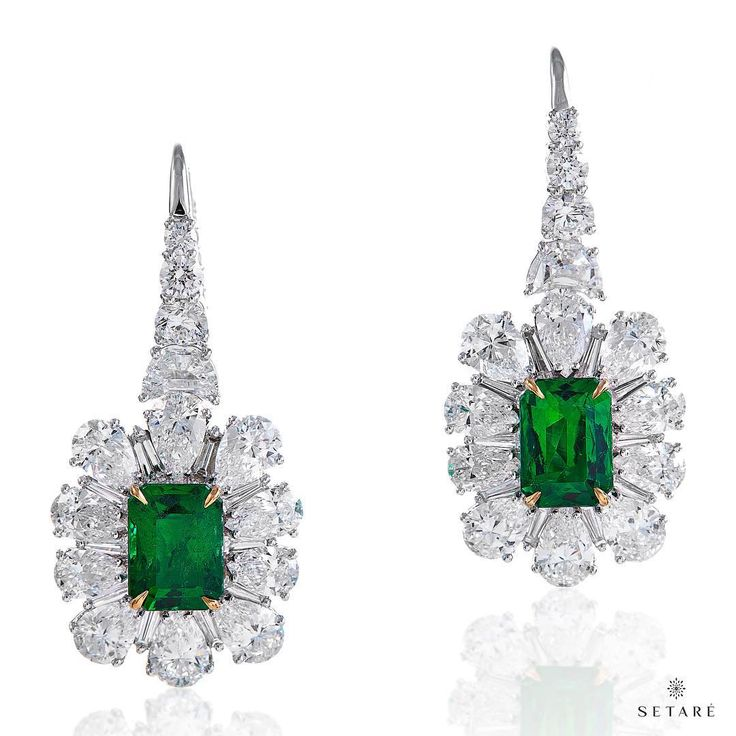 Emerald is a symbol of inspiration and infinite patience, it embodies unity, compassion and unconditional love.