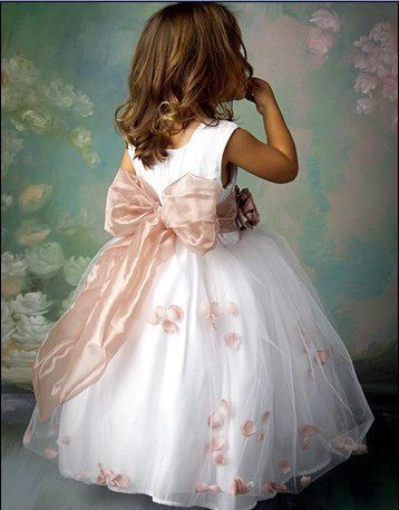 Tulle. Flower girl in white and pink, just like a princess