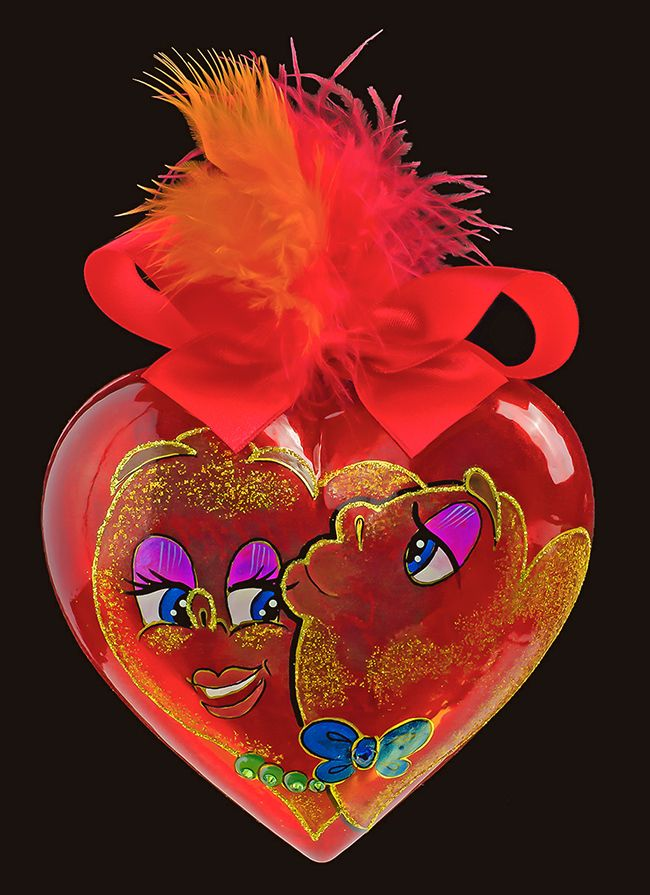 """Kiss-kiss Heaer"" Personalised Heart-shaped glass christmas tree ornament with Swarovski crystals"