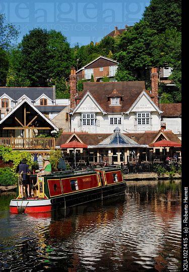 River Wey Navigation and Weyside Inn, Guildford, Surrey, England, UK