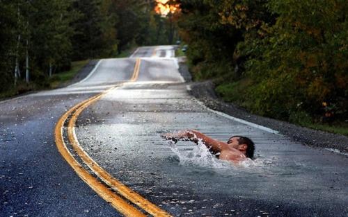swimming.: Ink Art, Keep Swim, The Roads, Swimmers, Street Art, Sidewalks Art, Life Choice, Photo, Streetart