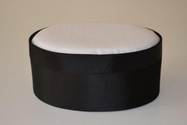 SBLoval.42 - Large Oval - Black - Satin covered and lined boxes make it so easy for you to create a special gift or precious keepsake. Embellish your fabric as you desire, cover the removable, padded lid with your worked fabric and replace into the box lid. The box measures 10.5 x 14cm.