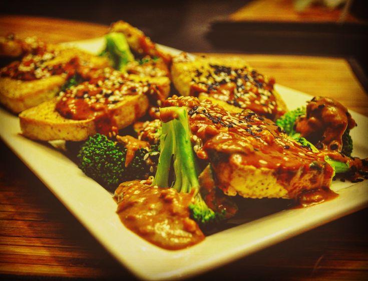 Tofu grillé sauce à l'arachides