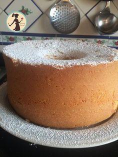 La chiffon cake è una torta soffice, genuina e semplice, una nuvola di bontà, esiste uno stampo apposito per farla e si prepara in poco tempo