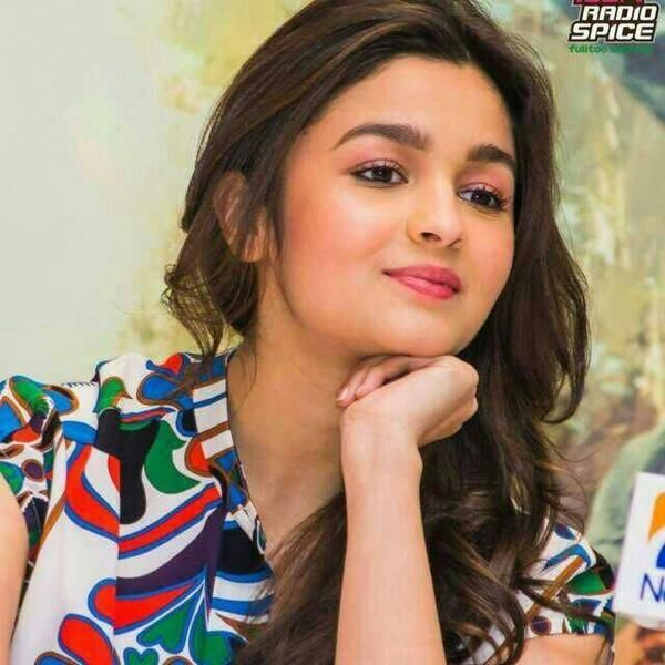 #Cute #Alia #Bhatt Wallpaper