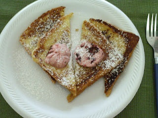 French Toast with Berry Butter | Great recipe ideas | Pinterest