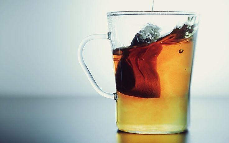 Bleach hair naturally with Chamomile tea