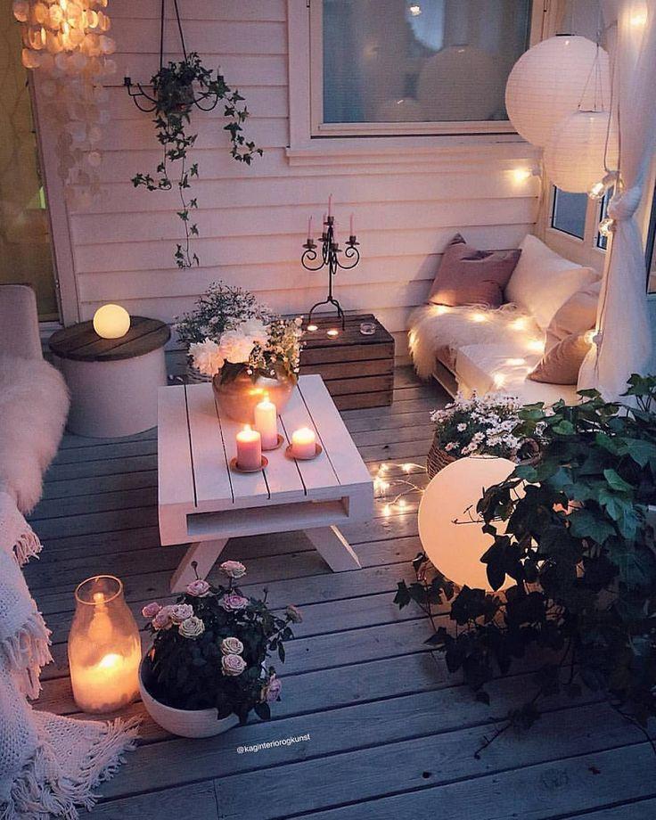 Nous pourrions nous asseoir sur ce patio toute los angeles nuit. 😍 Toutes les lumière…