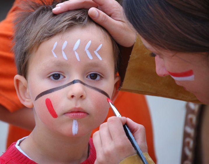 Kinderschminken im FORUM – Indianische Bemalung für große und kleine Indianer | Wolfenbüttel