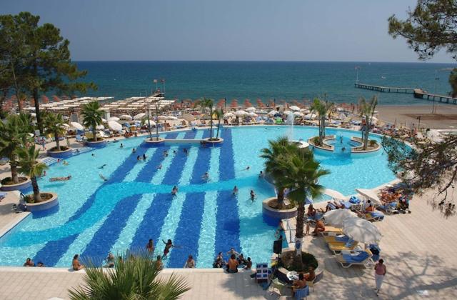 Piscine du Club Marmara Kimeros Resort 5* #vacances #voyages #Turquie