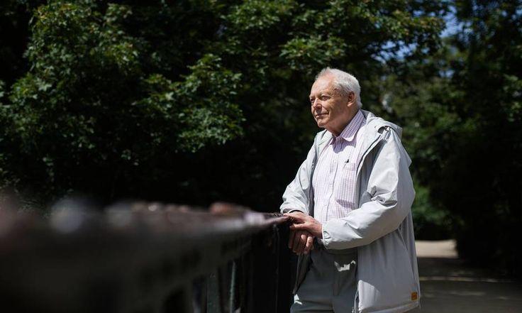 73-årige Peter Schønsted har over en periode på 60 år besøgt alle verdens lande - også Vatikanstaten. En del af landene har han besøgt igennem sit job. Foto: Mathias Svold