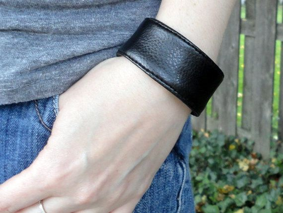 BitWrap Faux Leather-Black or Brown Fitbit by GiraffairyCreations